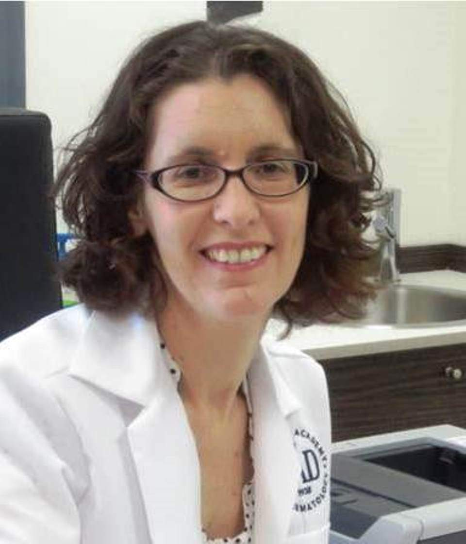 """ד""""ר הדס פראג נוה, רופאת עור מומחית ויועצת למותג 'קנסטן קרם'"""