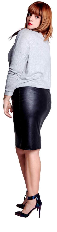 פבלינה ברגן, אשת עסקים, בחצאית דמוית עור ואפודה של סו סימפל. צילום: רון קדמי