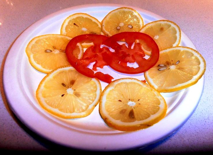 בין שלל הפונקציות של המג'ימיקסר הרב תכליתי, גם פריסה דקה של  פירות וירקות