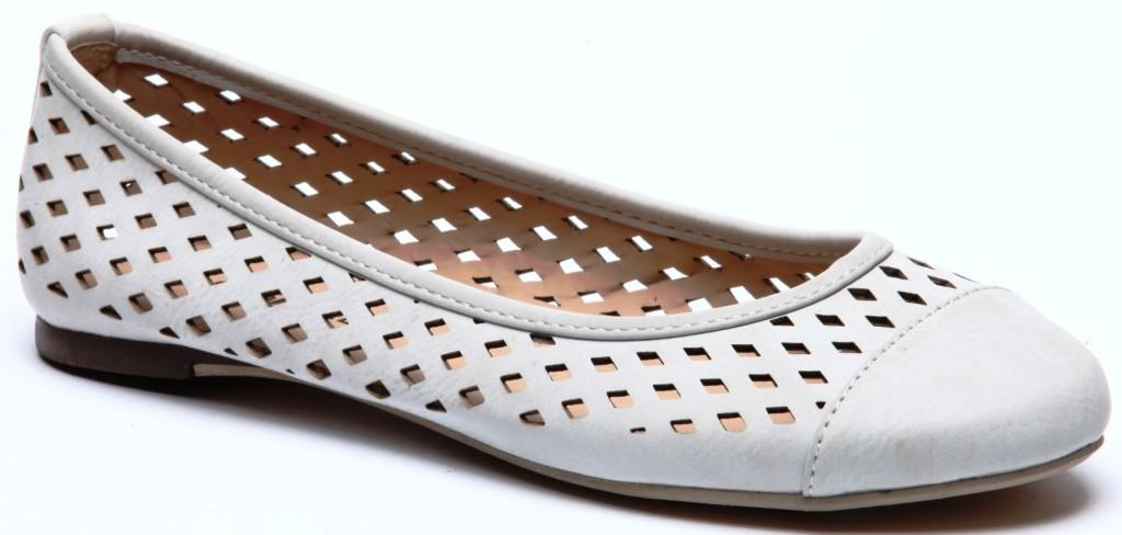 גלי. נעלי בובה לנשים. כ-100 שקלים. צילום: מנחם עוז