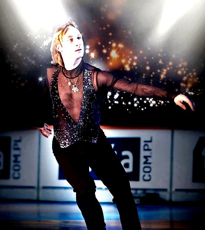 """המחליק הבינלאומי פלושנקו במופע """"קרח הזהב"""" בחולון"""