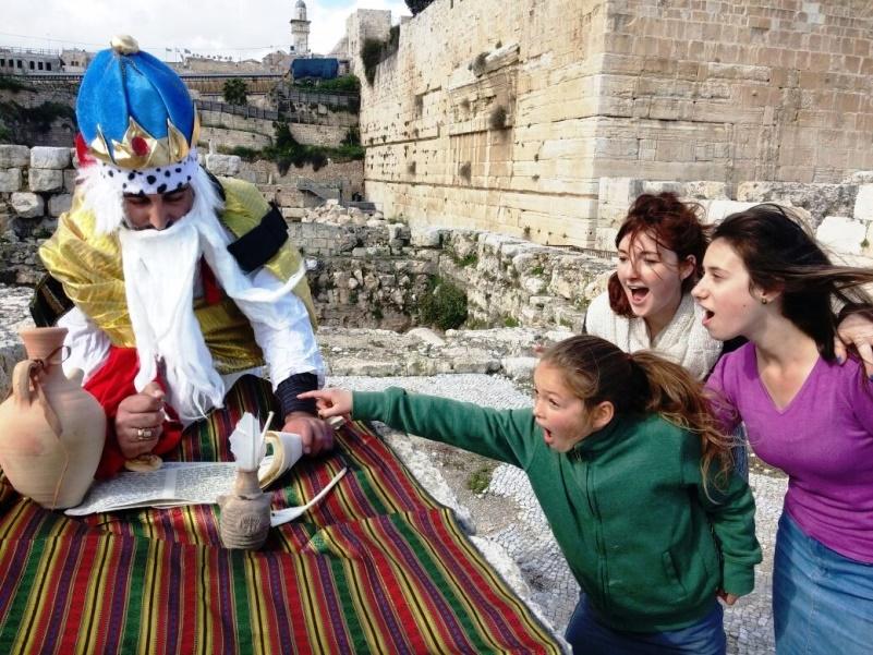 סיור חותם המלך חזקיהו ברובע היהודי. צילום אלקנה שטיינמיץ