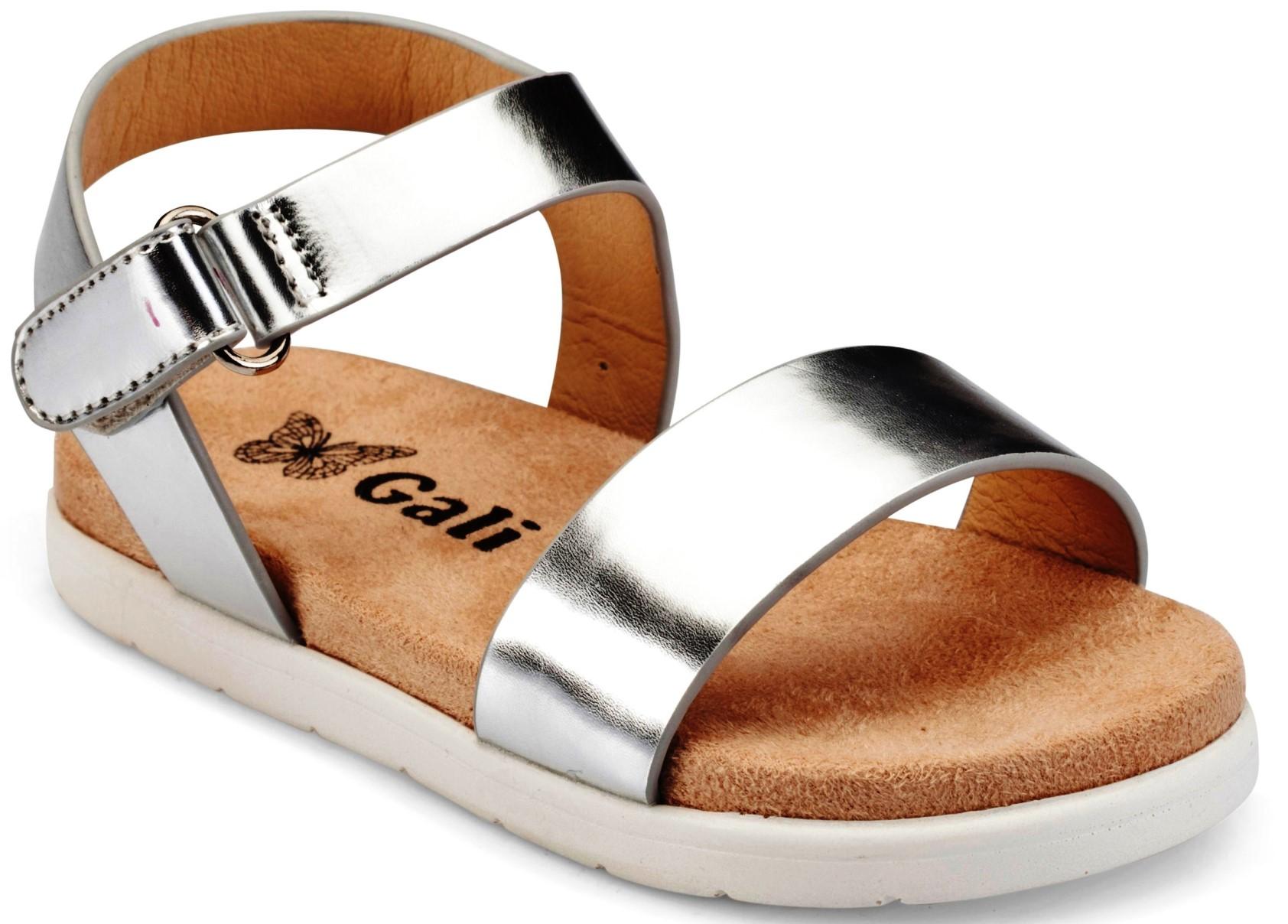 נעלי גלי. כ-200 שקלים. צילום ירון וינברג