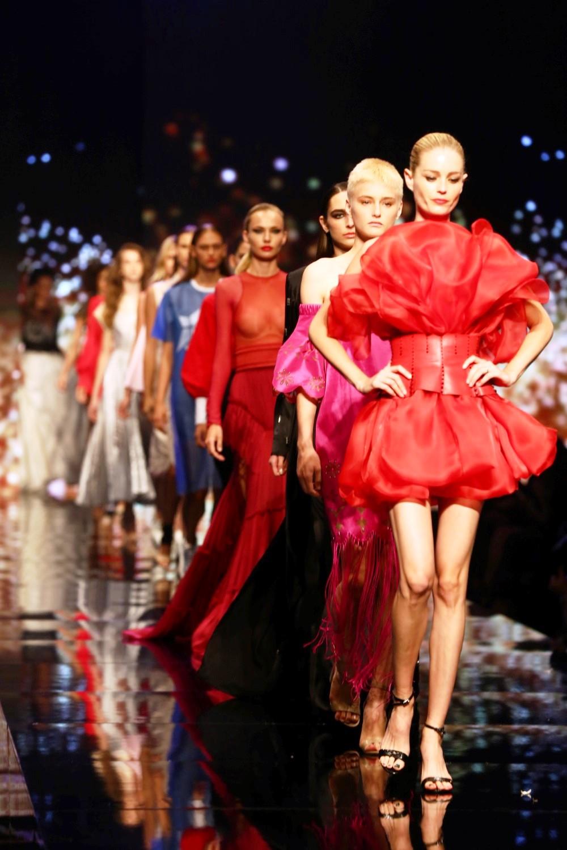 תצוגת האופנה שפתחה את ביוטי סיטי, בהשראת בשמים. צילום לנס הפקות