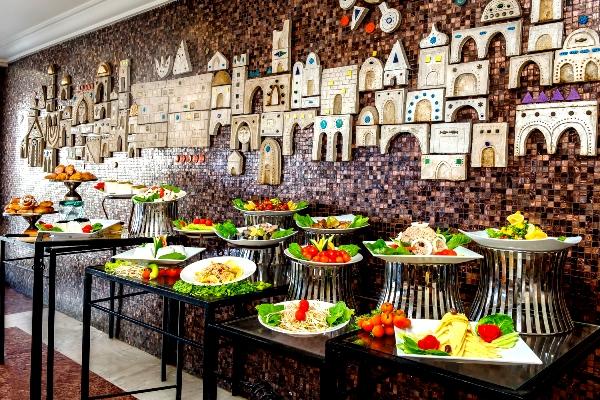מלון גרנד ביץ' תל אביב. המסעדה