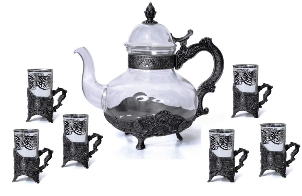 כלי תה של נובל קולקשן. צילום עדי קראוס