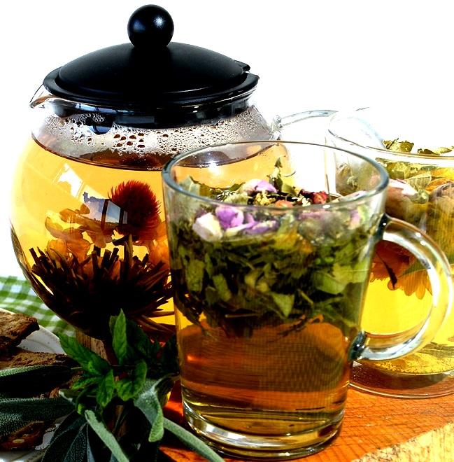 """חליטות תה ירוק של """"חוות דרך התבלינים"""" בבית לחם הגלילית. צילום אלוניס"""
