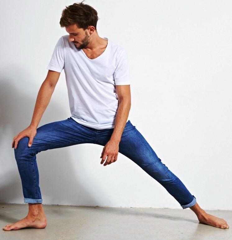 לי קופר. ג'ינס גמיש כמו סריג. צילום הילה שייר