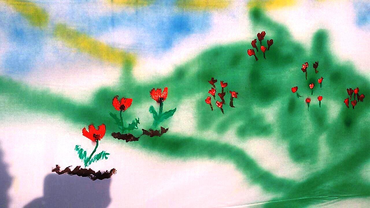 בד ציור בדרך הבשור ליד גשר הצינורות. כל המבקרים מוזמנים לצייר עליו כרצונם