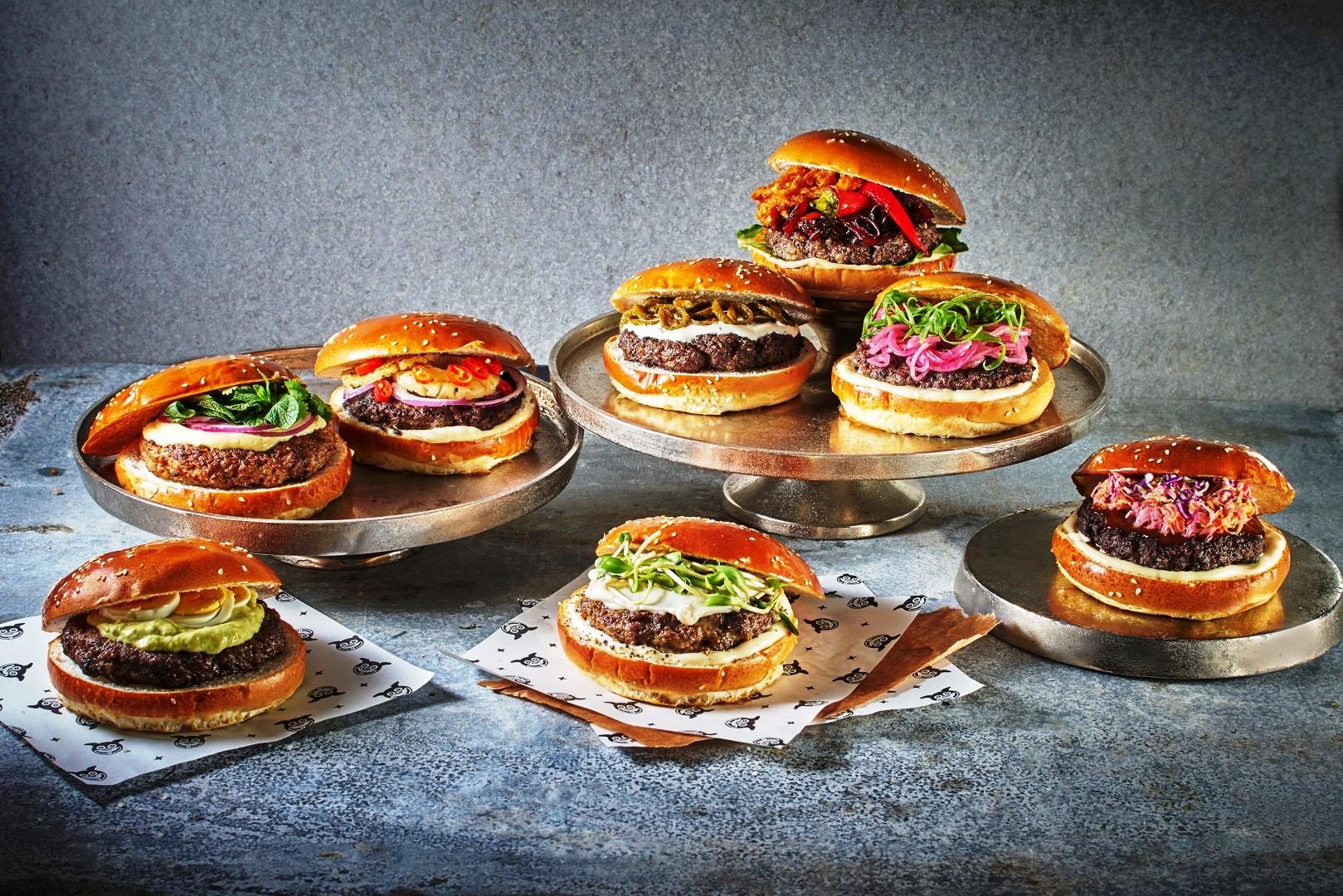 מוזס. המבורגר סובב עולם. צילום אנטולי מיכאלו