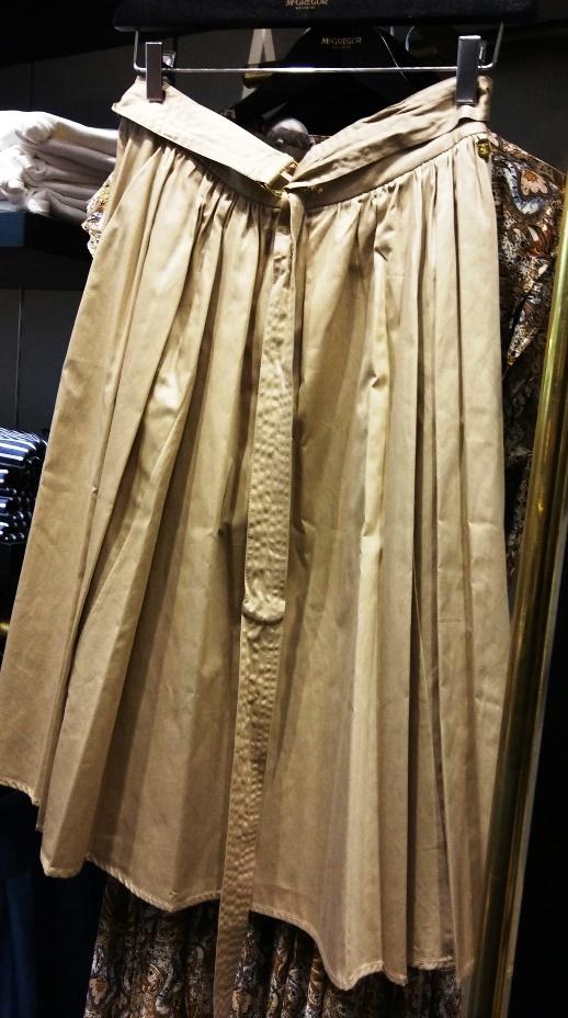 מקגרגור. חצאיות באורך שפוי וגזרה נוחה צילום נעמי גולן